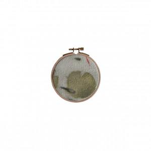 BAIN n°26 EMPREINTE n°01 / arbre de judée, garance dans bain de ronces / diam.12 cm - 40 €